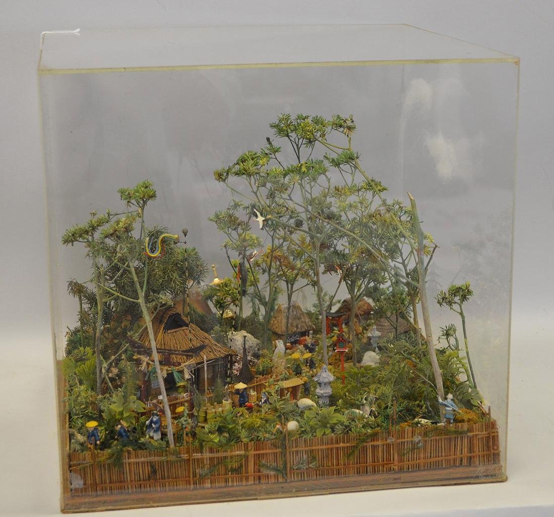 VINTAGE JAPANESE DIORAMA - Detailed diorama is housed