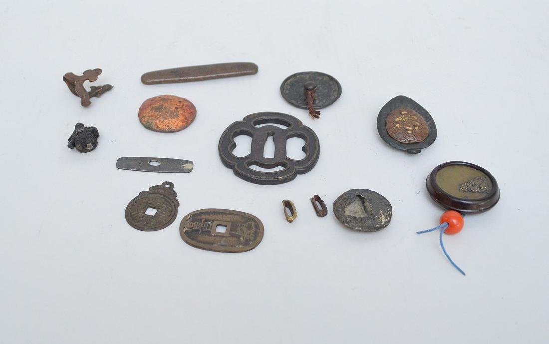 LOT OF ANTIQUE JAPANESE BRONZE & METAL ARTICLES -