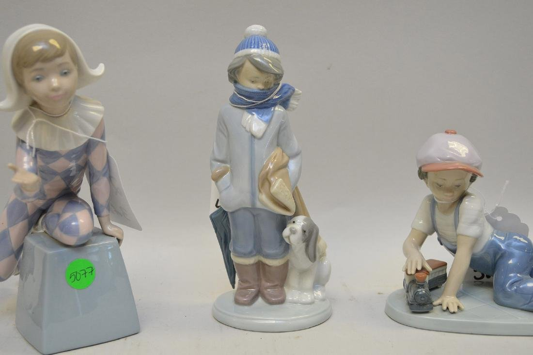Lot of SIX Lladro Spain Porcelain Sculptures: (1) #4876; - 4