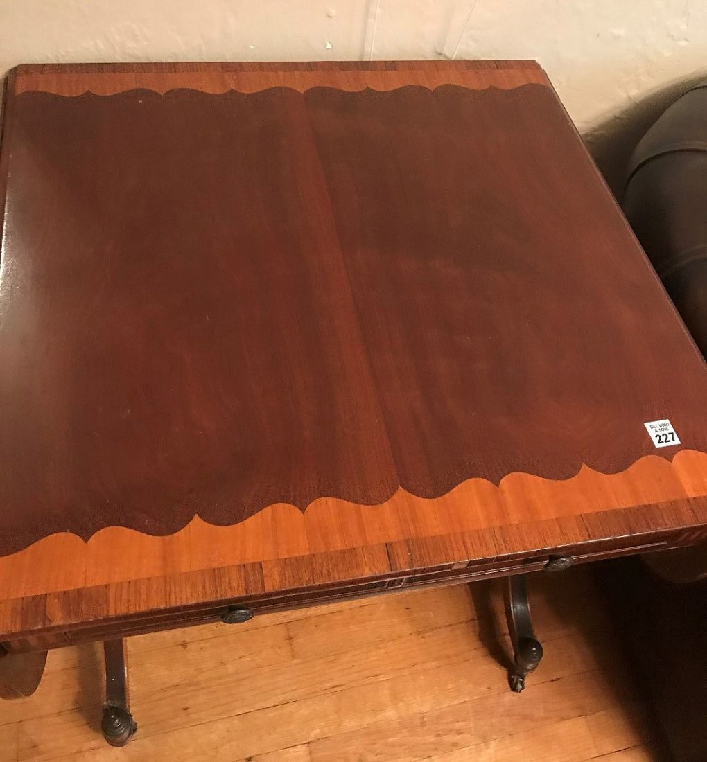 19TH CENTURY MAHOGANY DROP-LEAF TABLE WITH INLAY - 2