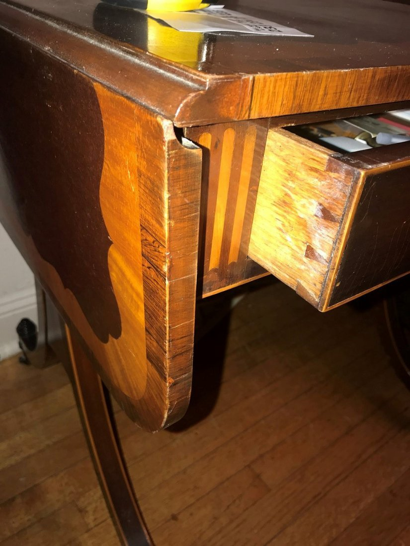 19TH CENTURY MAHOGANY DROP-LEAF TABLE WITH INLAY - 5