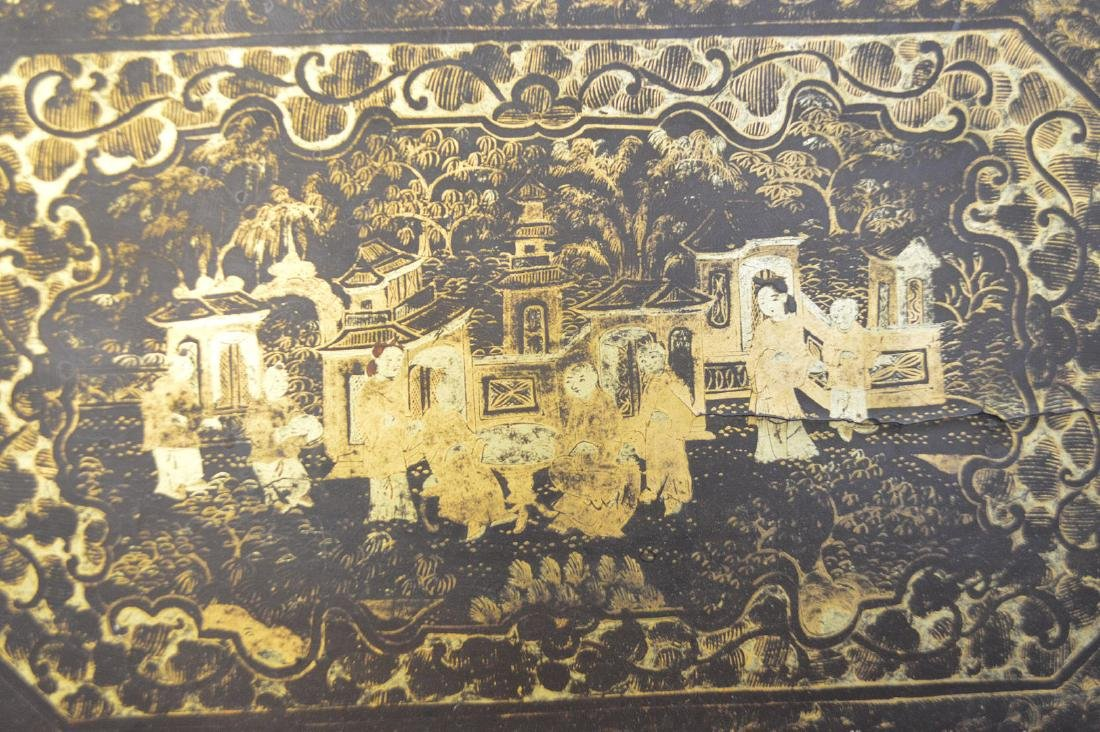 CHINESE LACQUER BOX WITH CHINOISERIE DECORATION. - 3