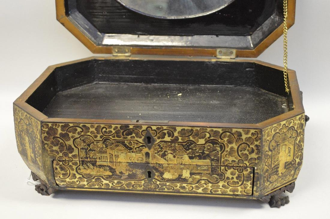 CHINESE LACQUER BOX WITH CHINOISERIE DECORATION. - 6