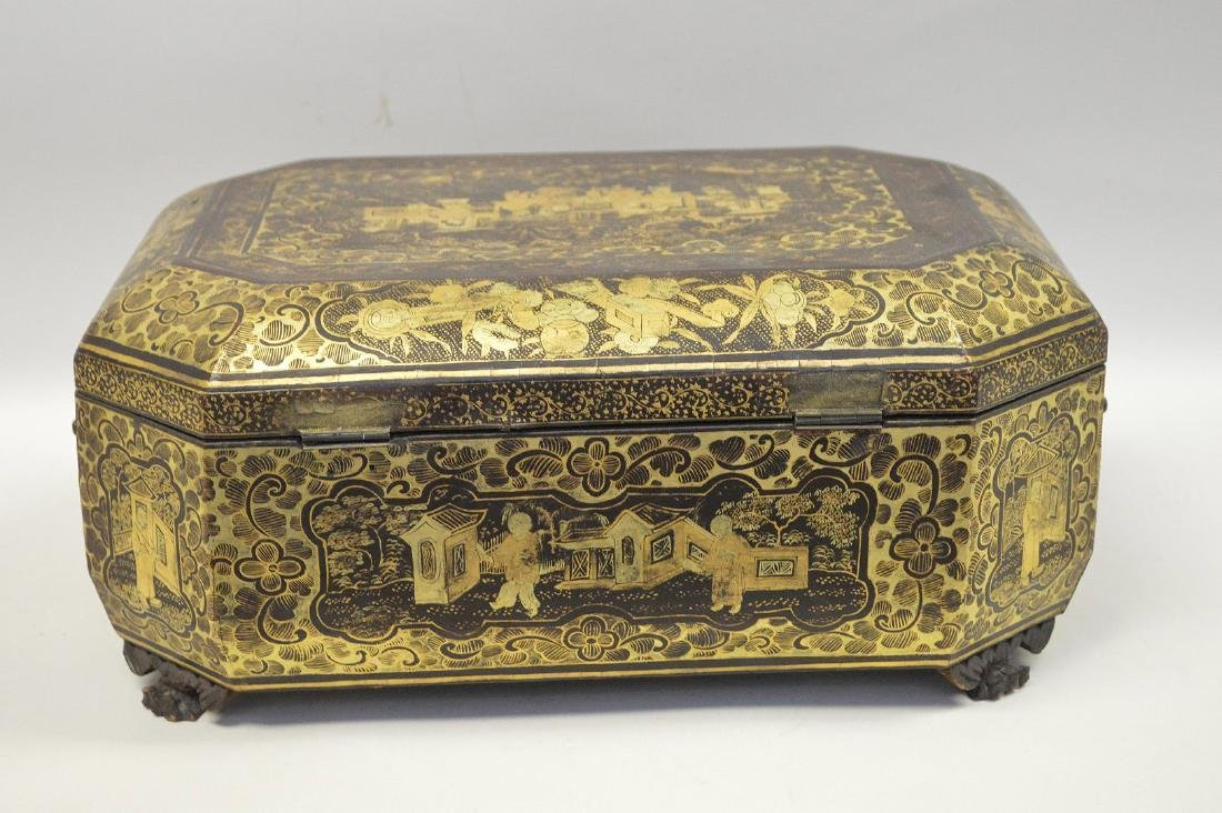 CHINESE LACQUER BOX WITH CHINOISERIE DECORATION. - 7