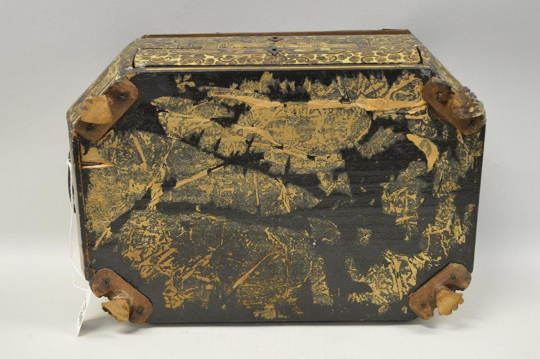 CHINESE LACQUER BOX WITH CHINOISERIE DECORATION. - 8