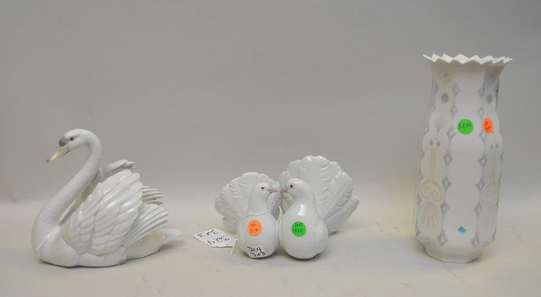 Lot of THREE Lladro Spain Porcelain Sculptures: (1)