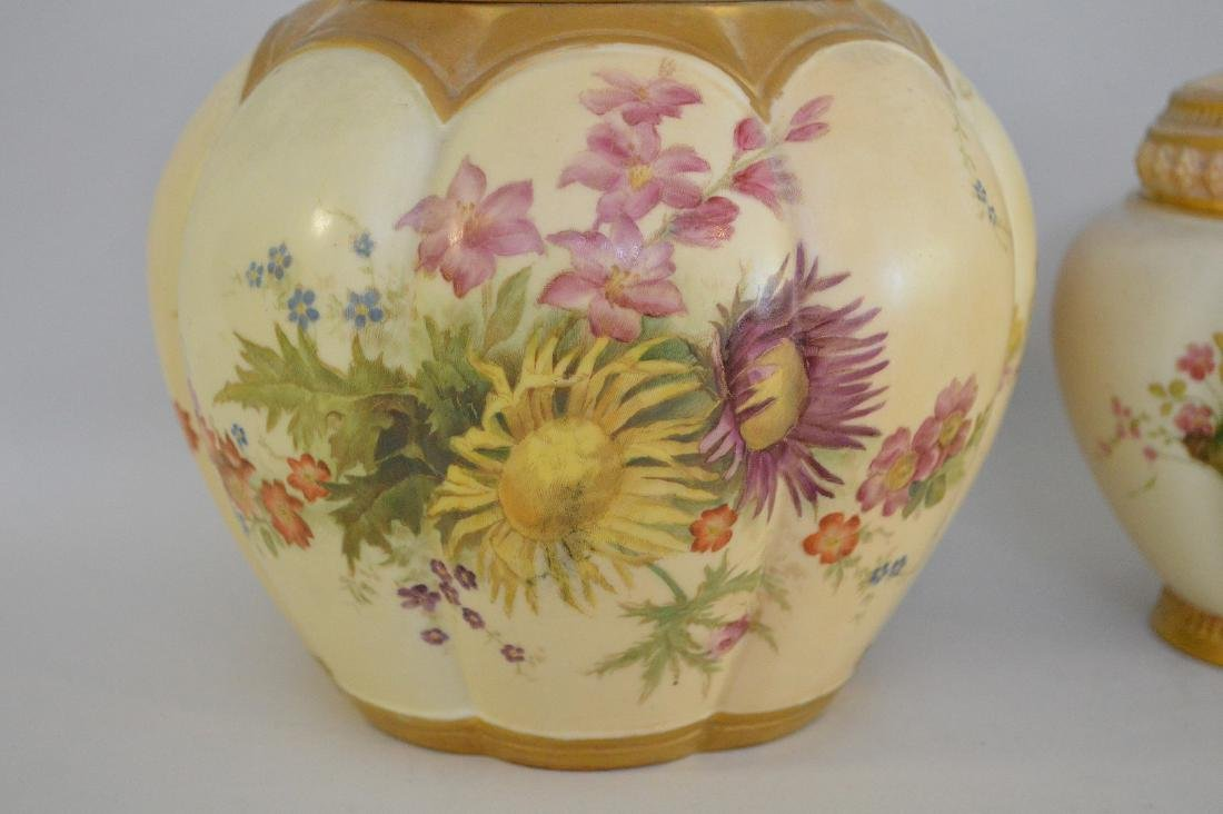 3 pieces of Royal Worcester pot potpourri jars, all - 2