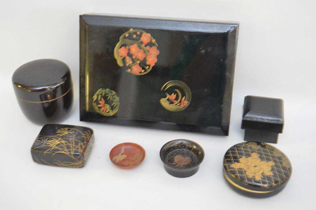 GROUP OF 7 CHINESE & JAPANESE LACQUERED ARTICLES -
