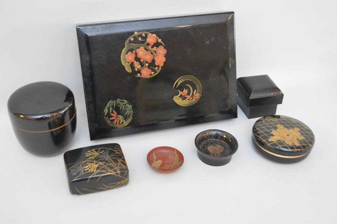 GROUP OF 7 CHINESE & JAPANESE LACQUERED ARTICLES - - 2
