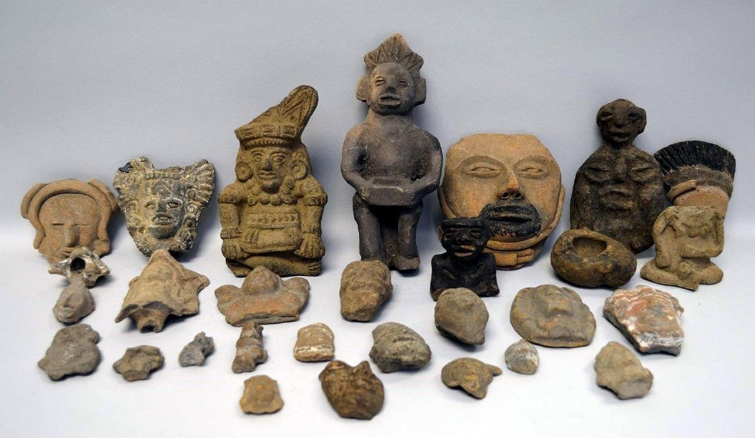 COLLECTION OF 29 PRE-COLUMBIAN EFFIGY ARTIFACTS - Each