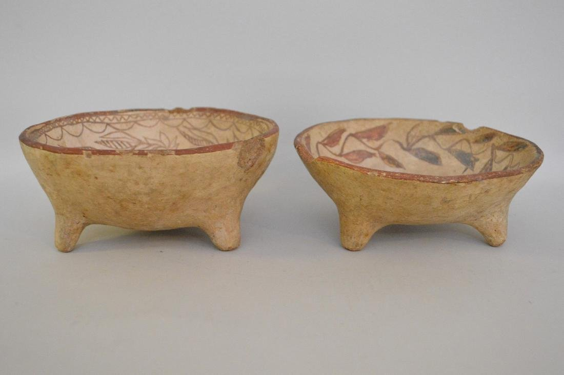 TWO PRE-COLUMBIAN TRIPOD BOWLS WITH FLORAL DECORATION -