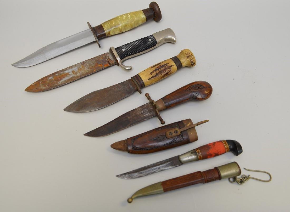 LOT OF FIVE VINTAGE & ANTIQUE KNIVES - Includes: a - 2