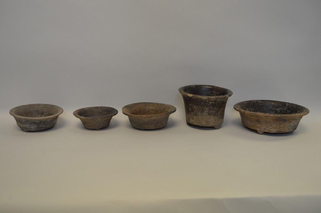 FIVE PRE-COLUMBIAN TEOTIHUACAN POTTERY VESSELS - Brown