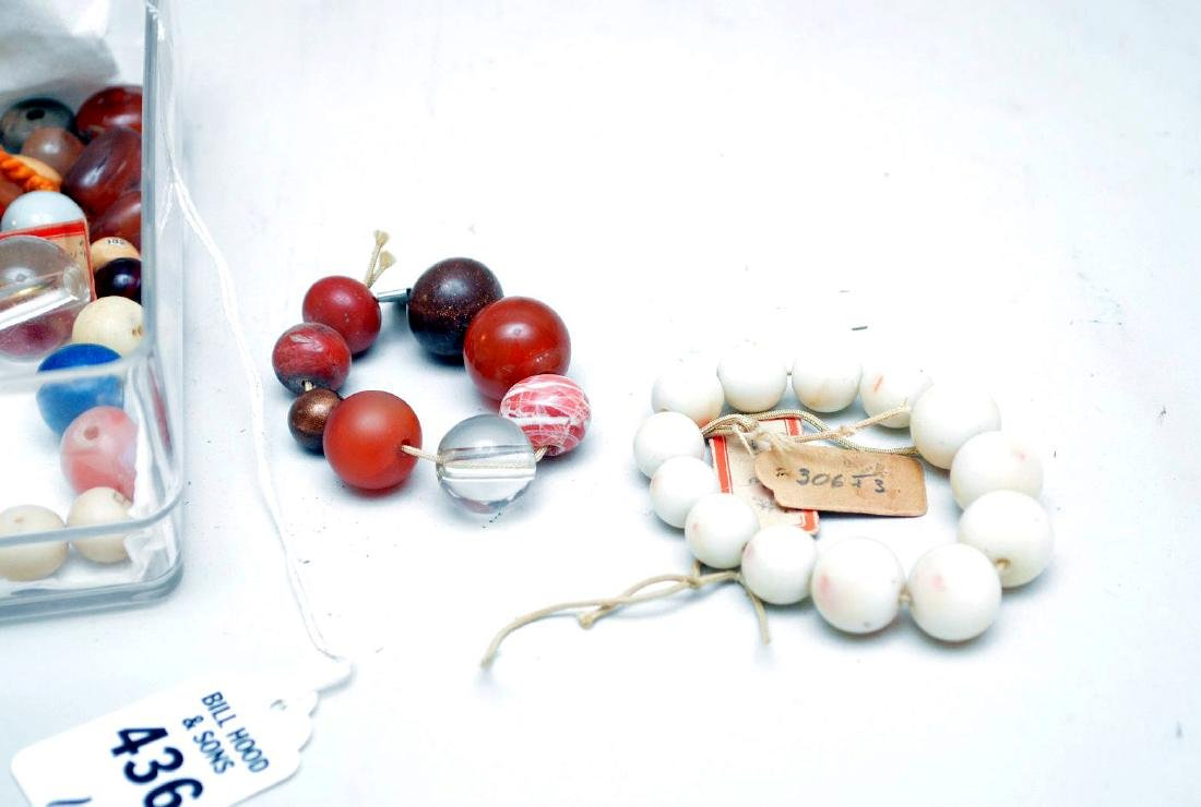 COLLECTION OF 75 ANTIQUE JAPANESE OJIME BEADS - Beads - 4