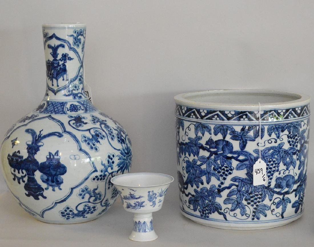 6 Pieces Chinese Blue & White Porcelain Articles. - 3