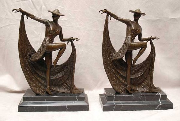 2017: Pair of bronze bookends on marble bases,  deco da