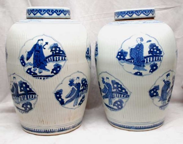 2019: Large pair of Canton blue and white covered urns,