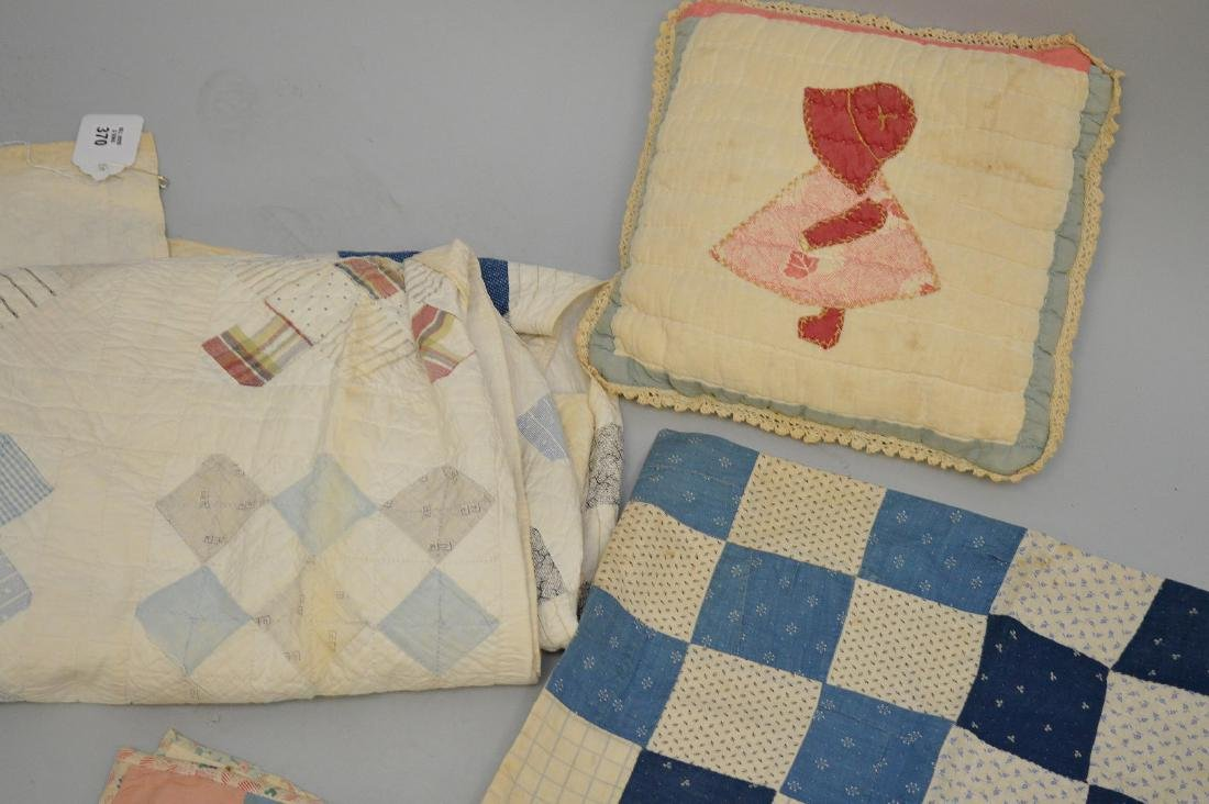 Lot of quilts, incl; child's quilts, doll size quilts, - 4