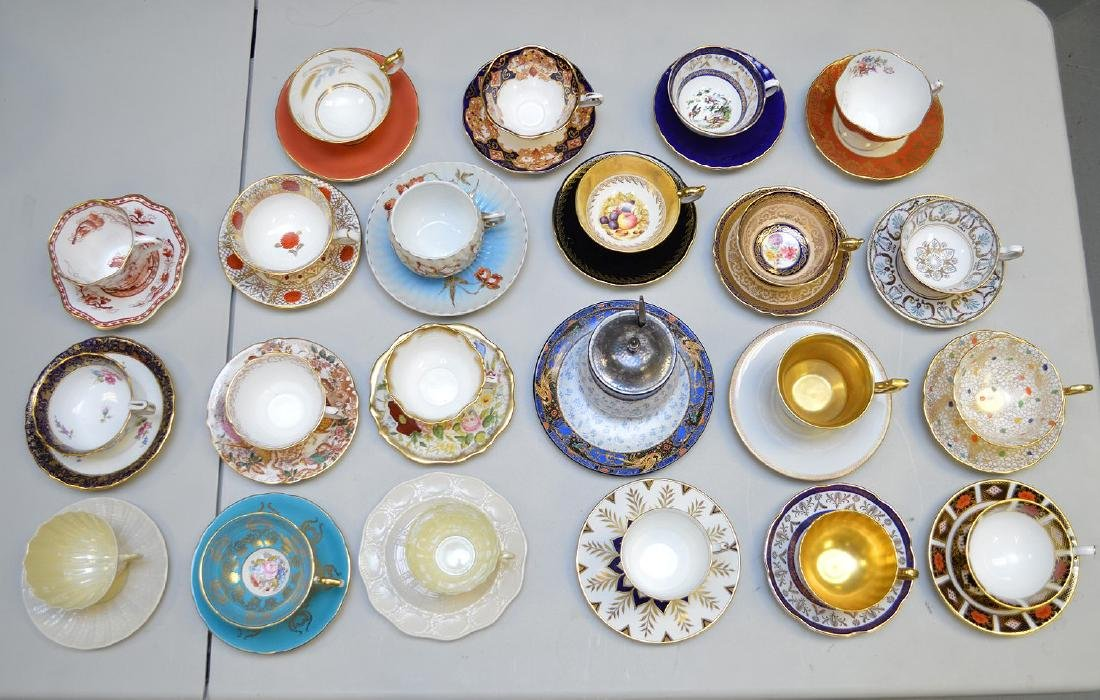 Approx. 21 assorted cups and saucers, mostly English