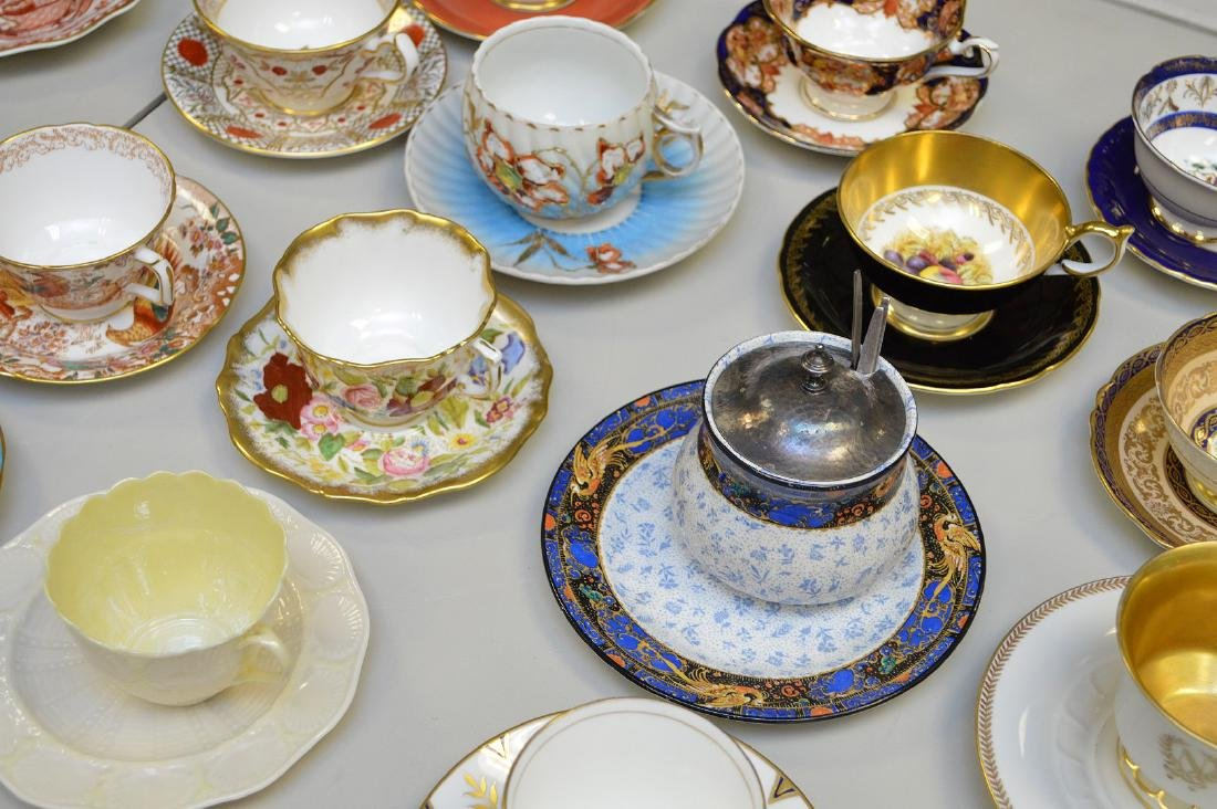 Approx. 21 assorted cups and saucers, mostly English - 2