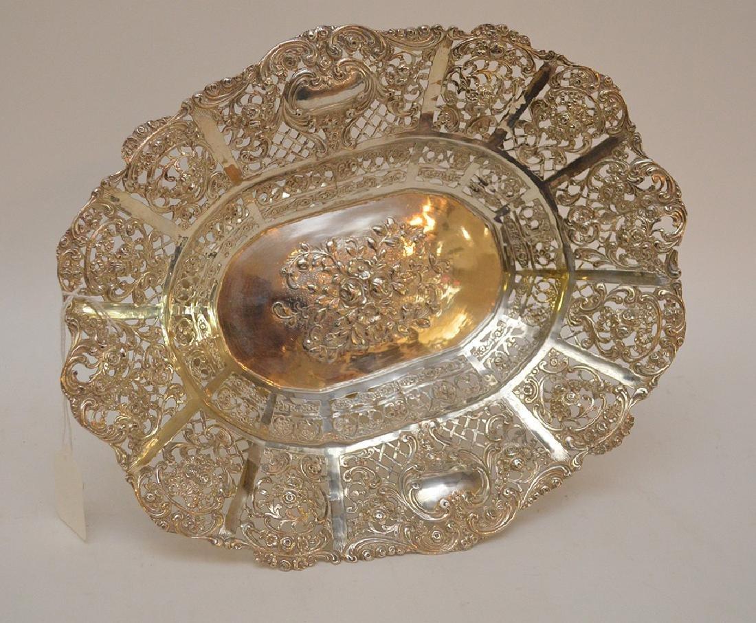 Continental 800 Silver Pierced Center Bowl.  Condition: - 5