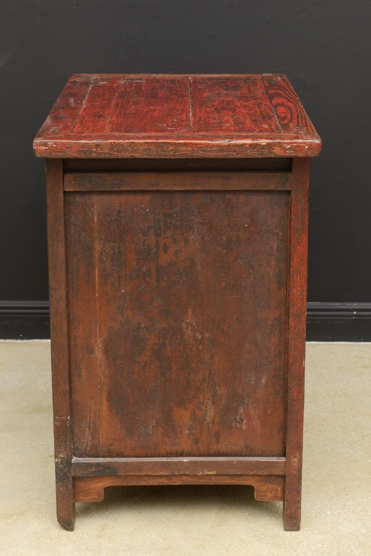 18th Century Antique Red Lacquered 2-Door Chinese - 7
