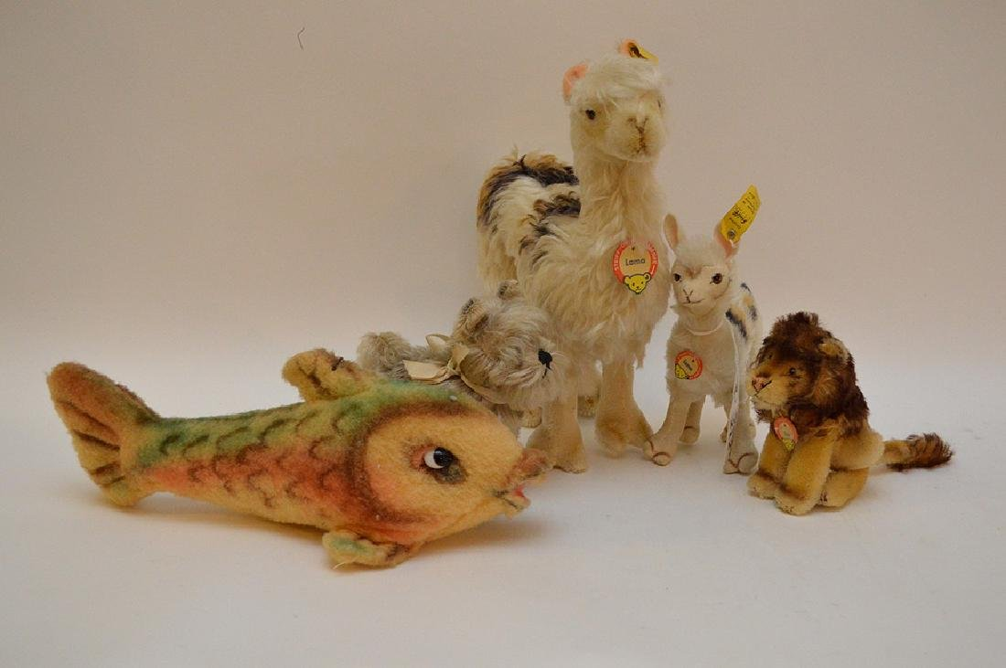 Lot of 5 Steiff German animals, 2 Llamas, Leo lion with