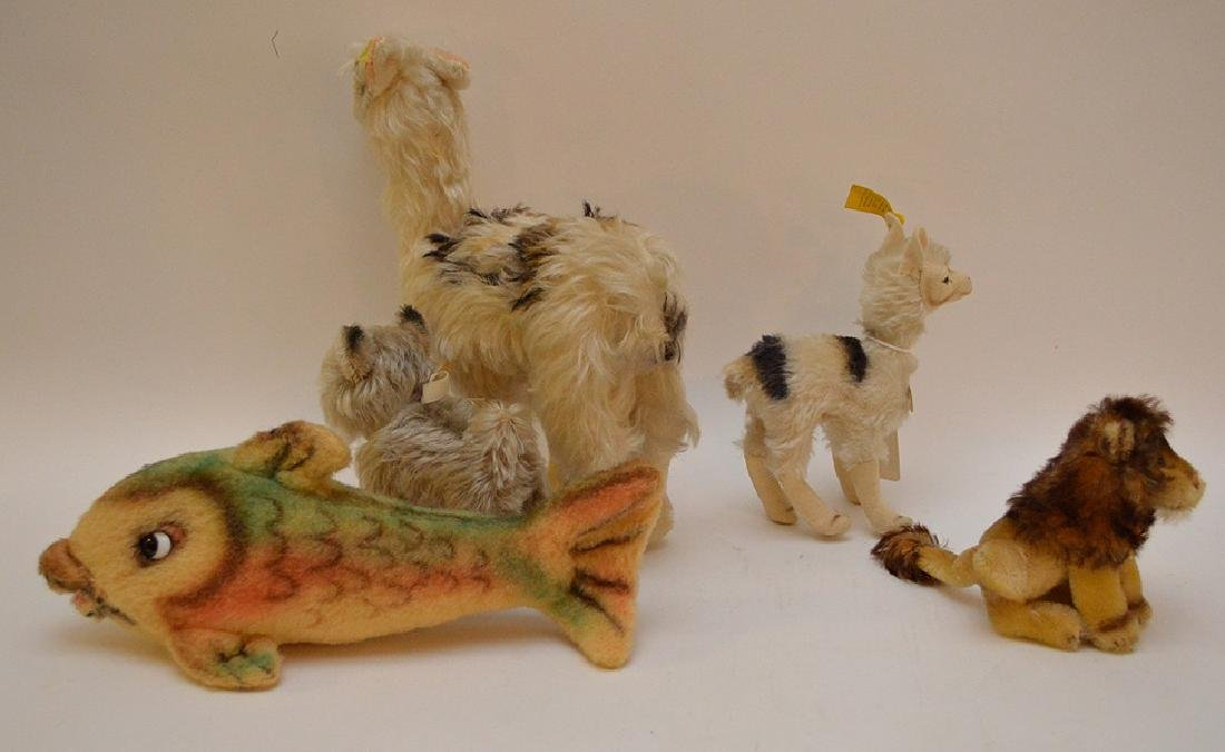 Lot of 5 Steiff German animals, 2 Llamas, Leo lion with - 5