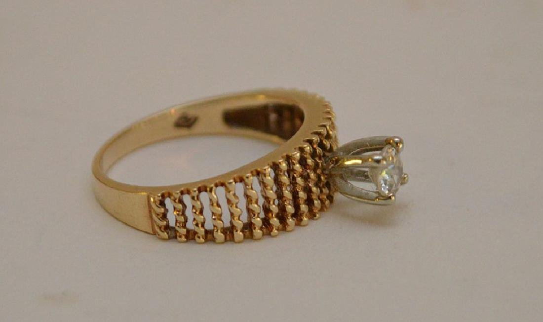 Impressive Solitaire Ring in 18KT Yellow Gold with a - 2