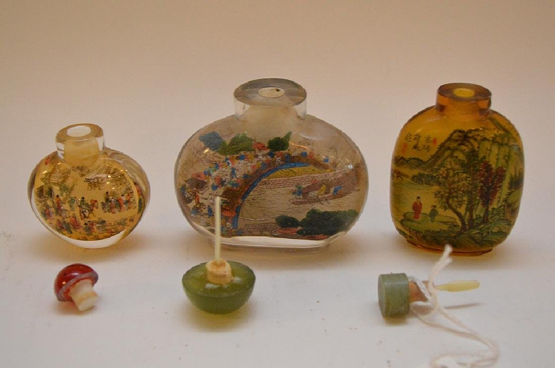 Lot of 3 Asian reverse painted glass snuff bottles, - 9