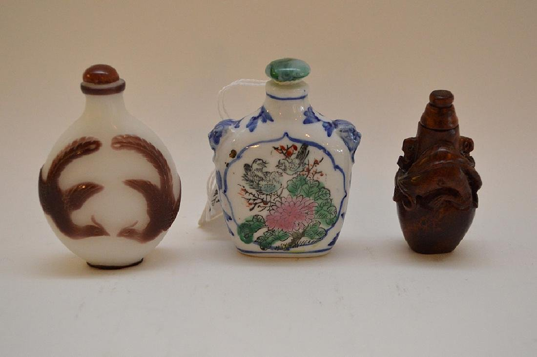 Lot of 3 Asian snuff bottle wood, glass and porcelain,