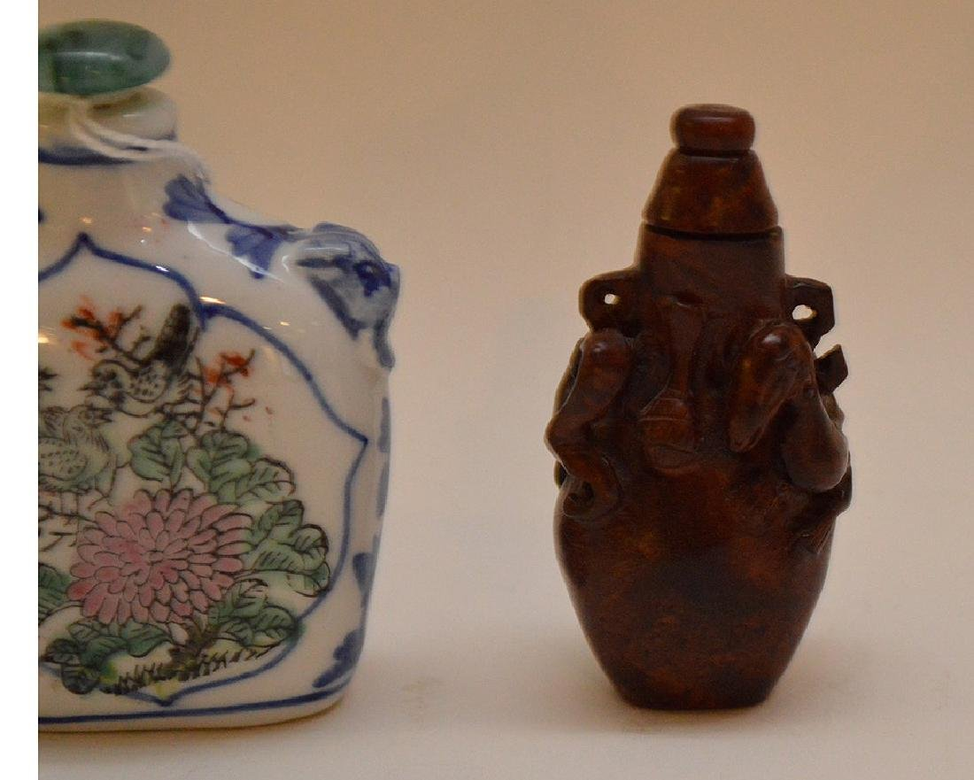 Lot of 3 Asian snuff bottle wood, glass and porcelain, - 3
