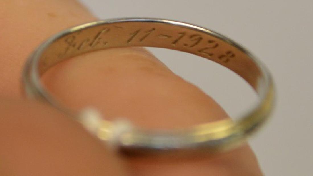 Vintage 18k White Gold Band engraved inside Feb. 11 - 3