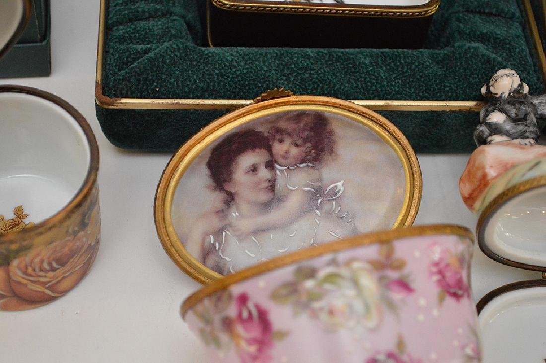5 Rochard Limoges Hand Painted Boxes.  3 with original - 7