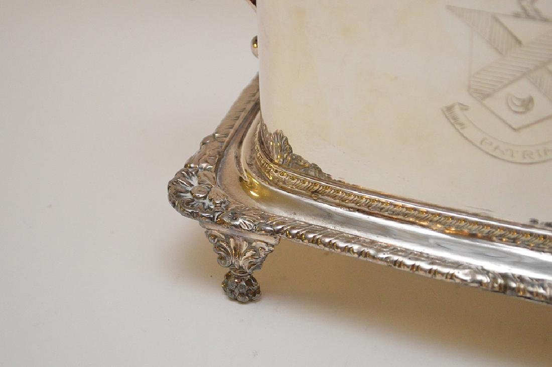 Silver plated English biscuit box - 3