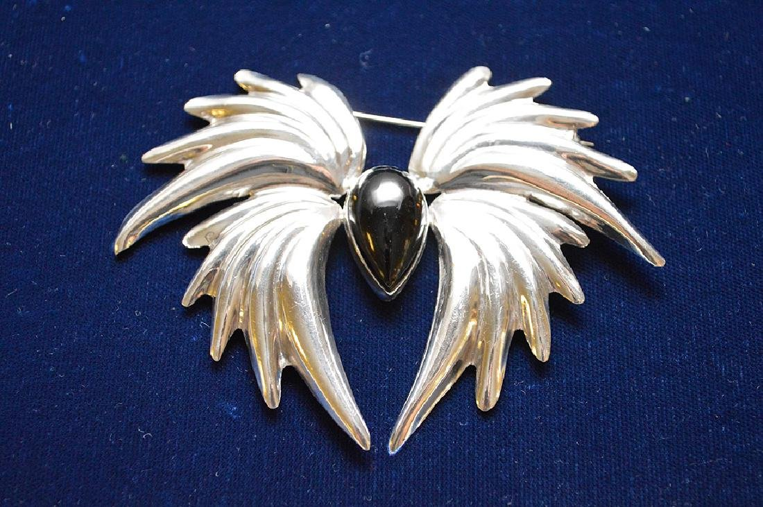 "Sterling & Onyx Mexican broach, 4"" x 3 1/2"""