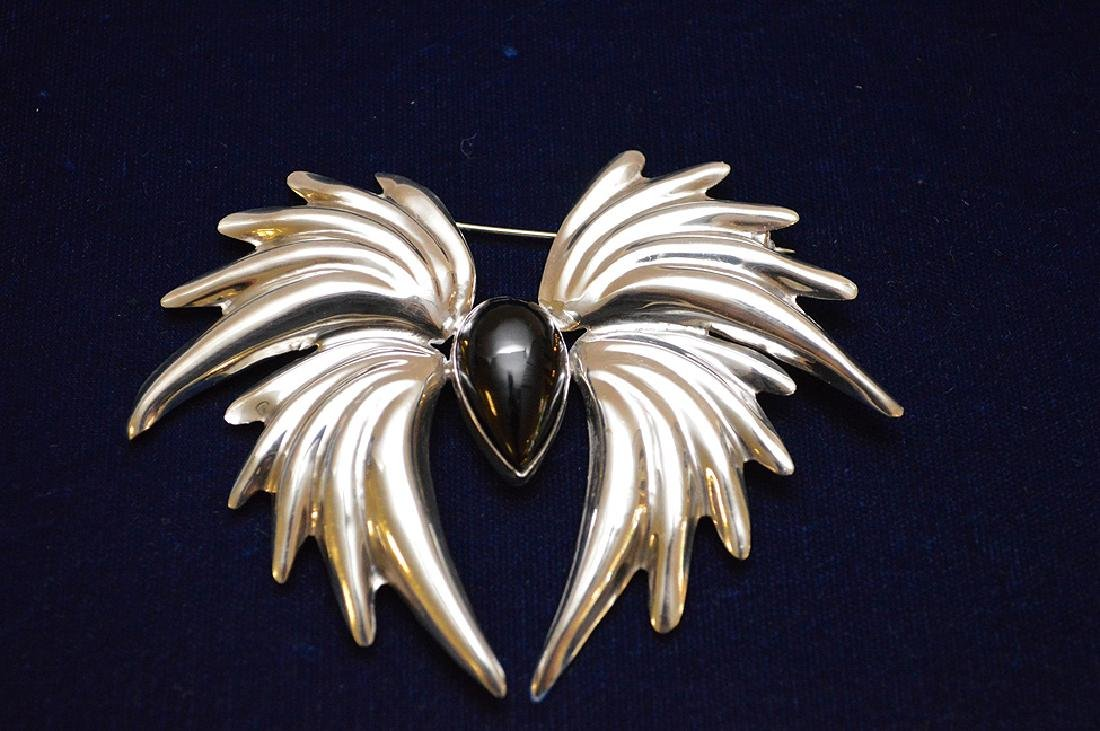 "Sterling & Onyx Mexican broach, 4"" x 3 1/2"" - 2"