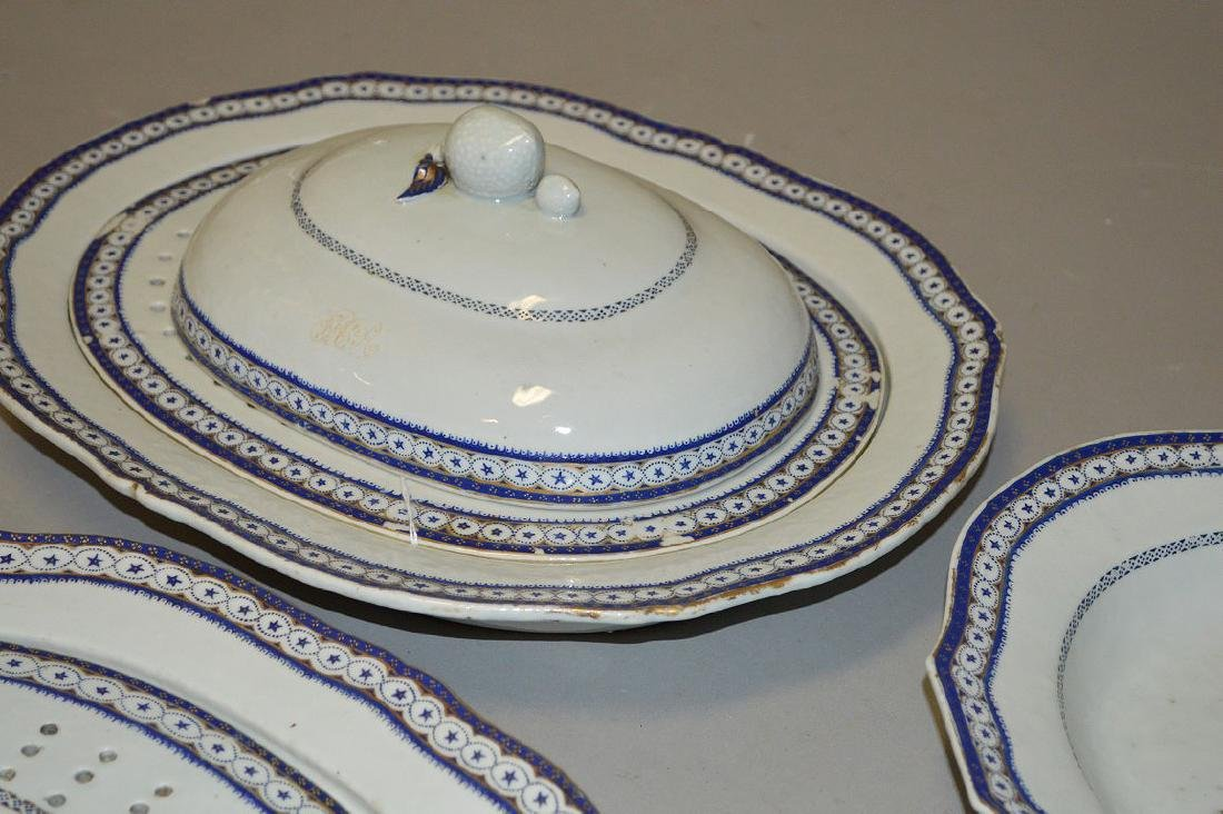 15 Piece Chinese Export Porcelain Armorial Dinner - 4