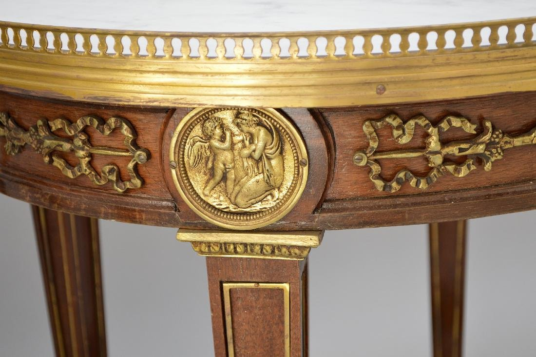 Pair Round French tables with gilt metal accents and - 4