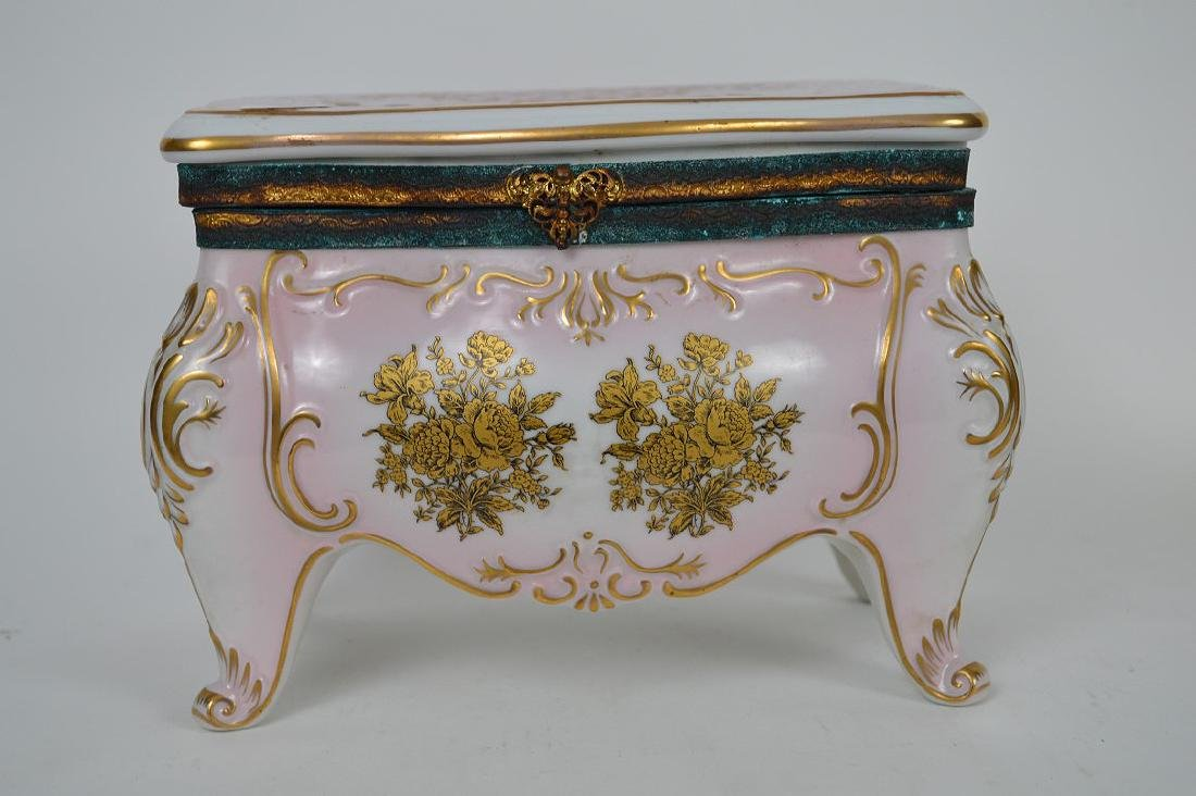 Austrian porcelain jewel box, pink with gold accents, 6