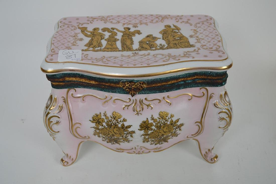 Austrian porcelain jewel box, pink with gold accents, 6 - 2