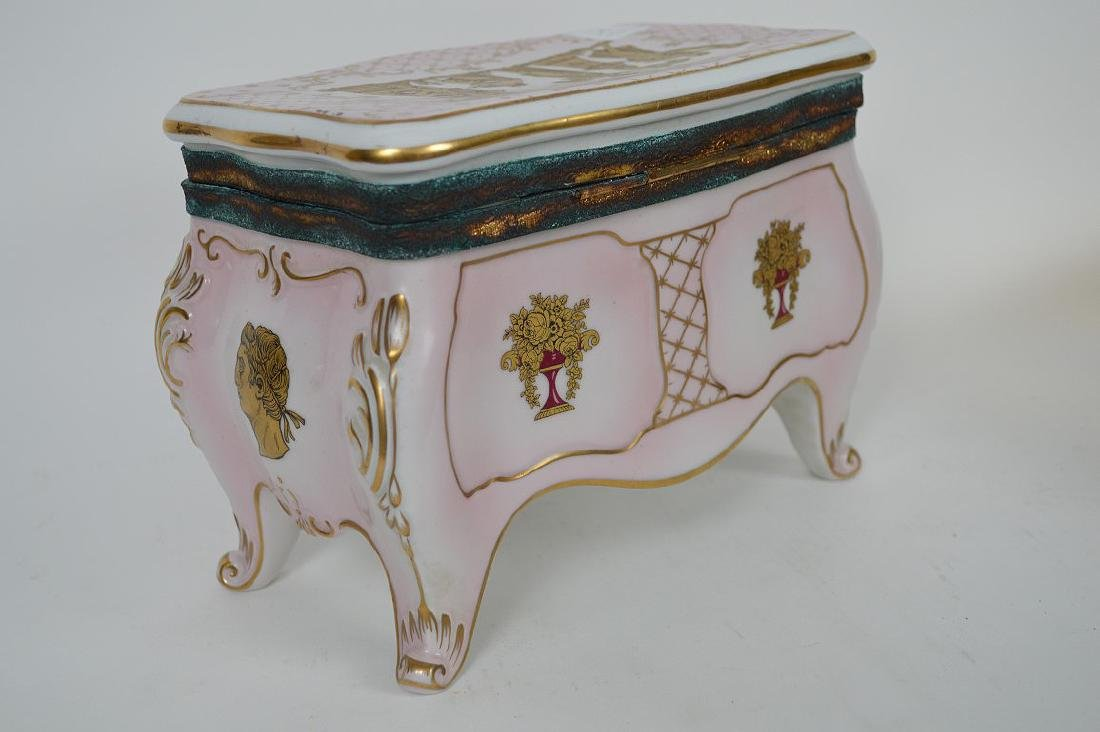 Austrian porcelain jewel box, pink with gold accents, 6 - 4