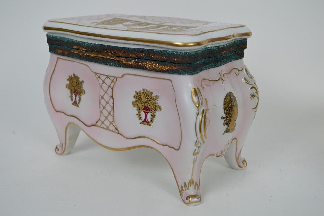 Austrian porcelain jewel box, pink with gold accents, 6 - 6