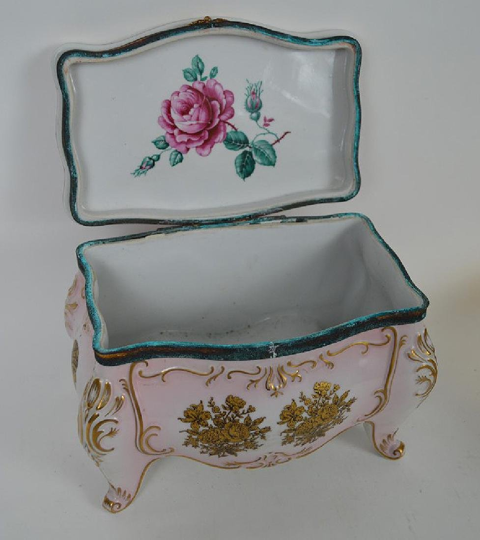 Austrian porcelain jewel box, pink with gold accents, 6 - 7