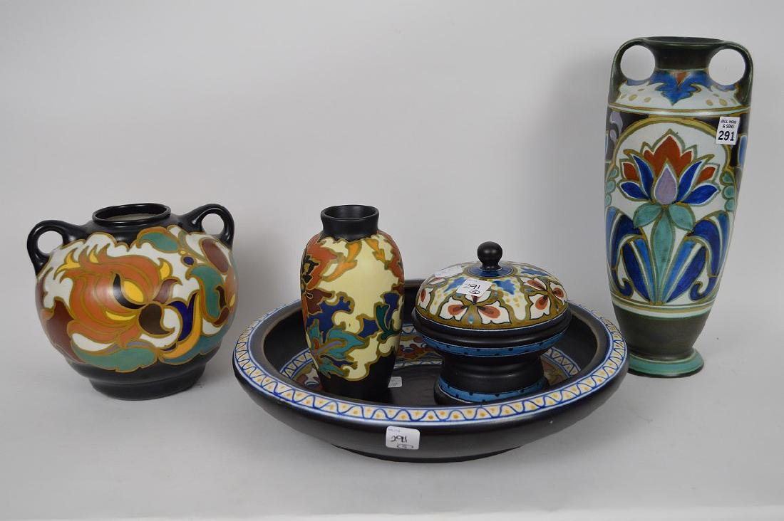 5 assorted pieces of Gouda pottery Holland, shallow