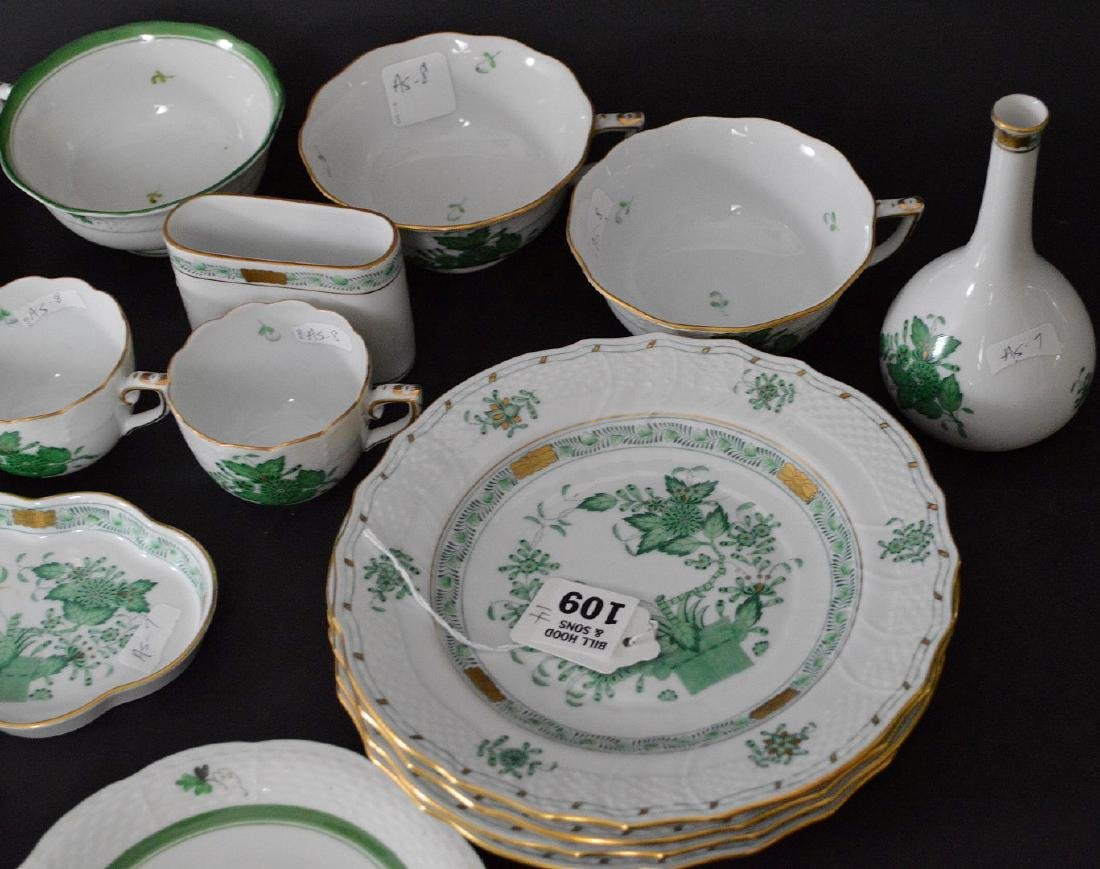 19 pcs. Assorted Herend, mostly green Indian basket - 2