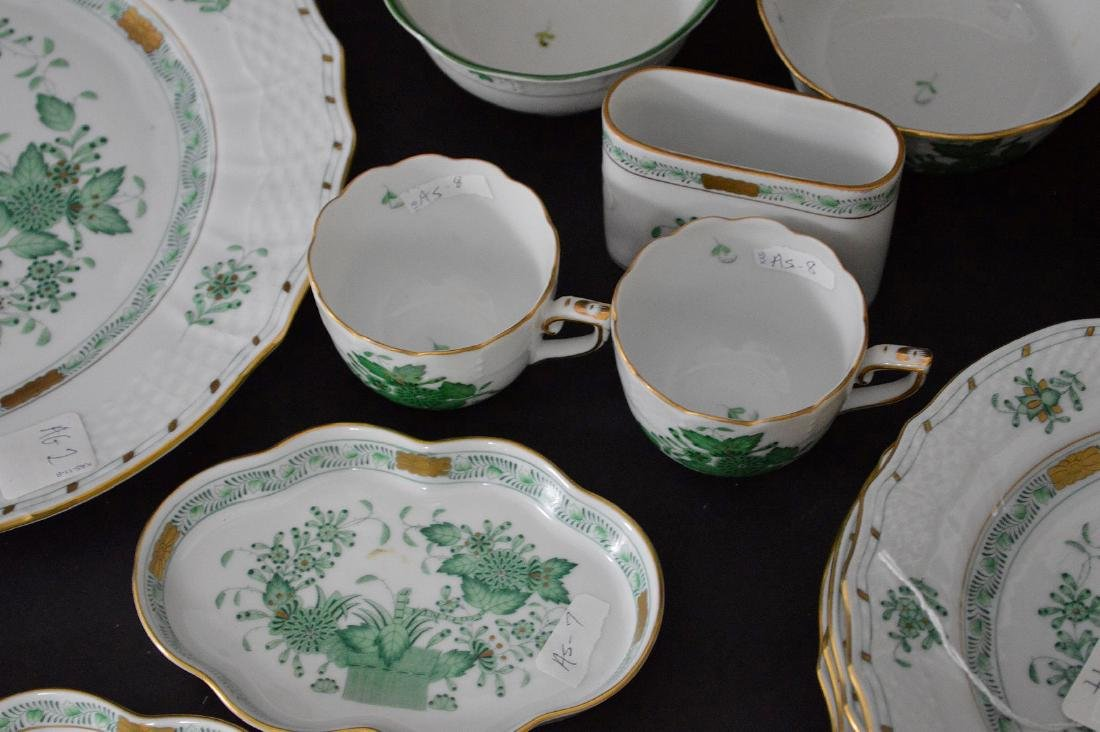 19 pcs. Assorted Herend, mostly green Indian basket - 3