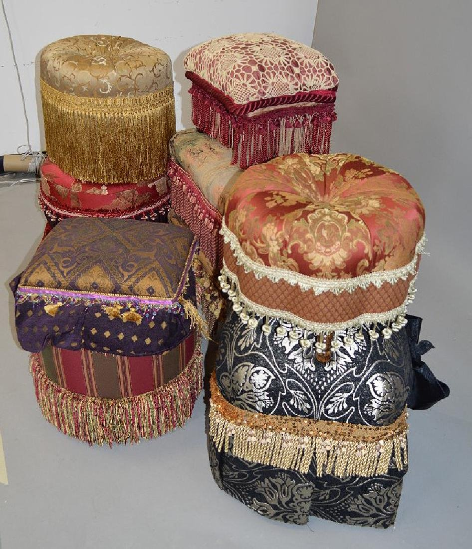 Lot of assorted upholstered ottomans - 3