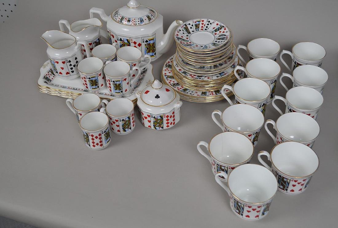 "Assorted lot of ""card"" ceramics"