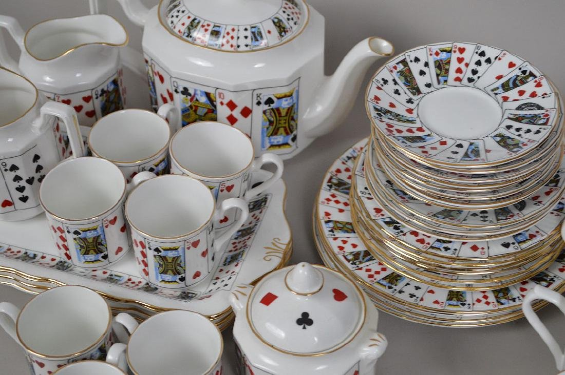 "Assorted lot of ""card"" ceramics - 2"